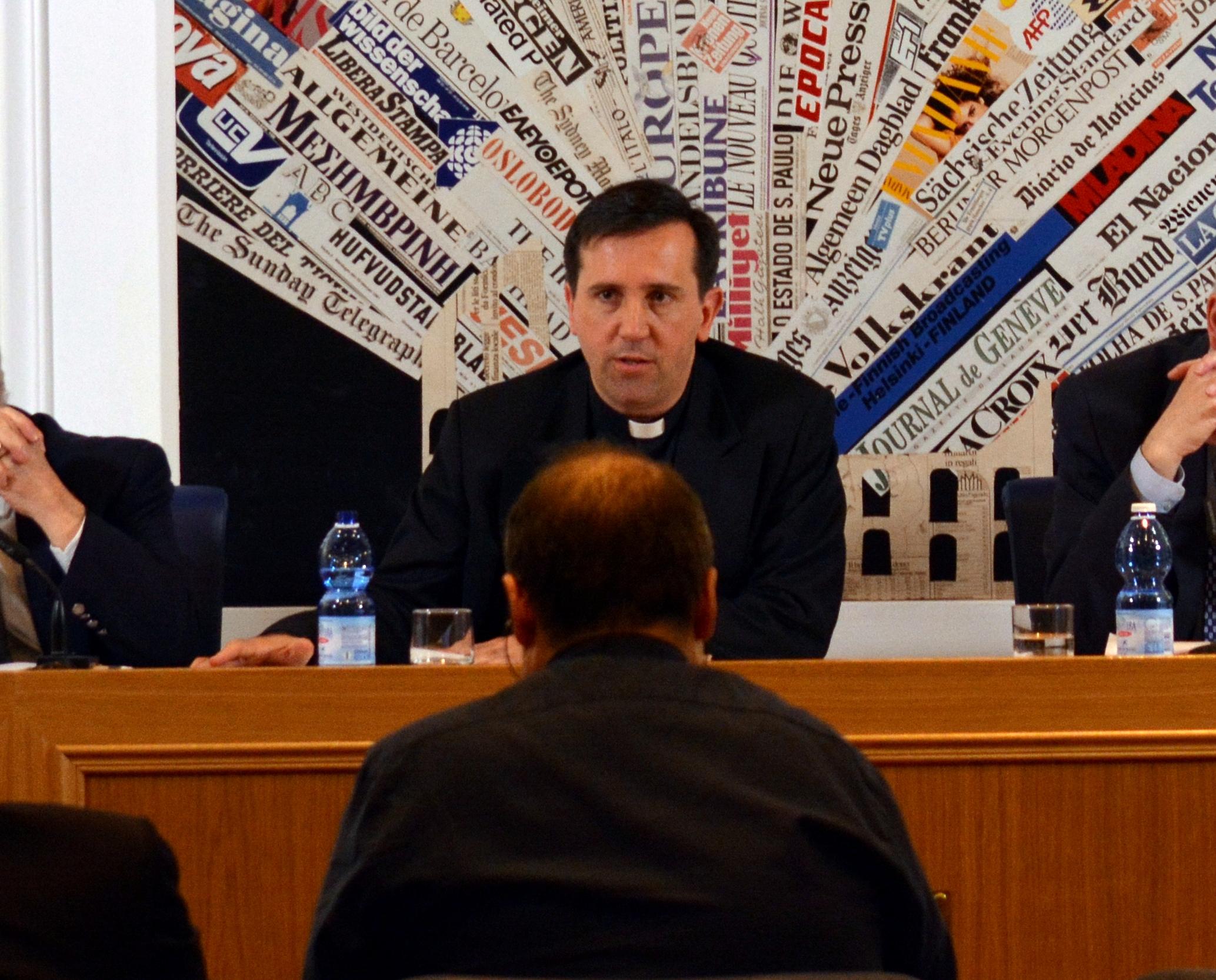 Un'intervista di RADIO ONDA UER a Padre Luca Gallizia, L.C.