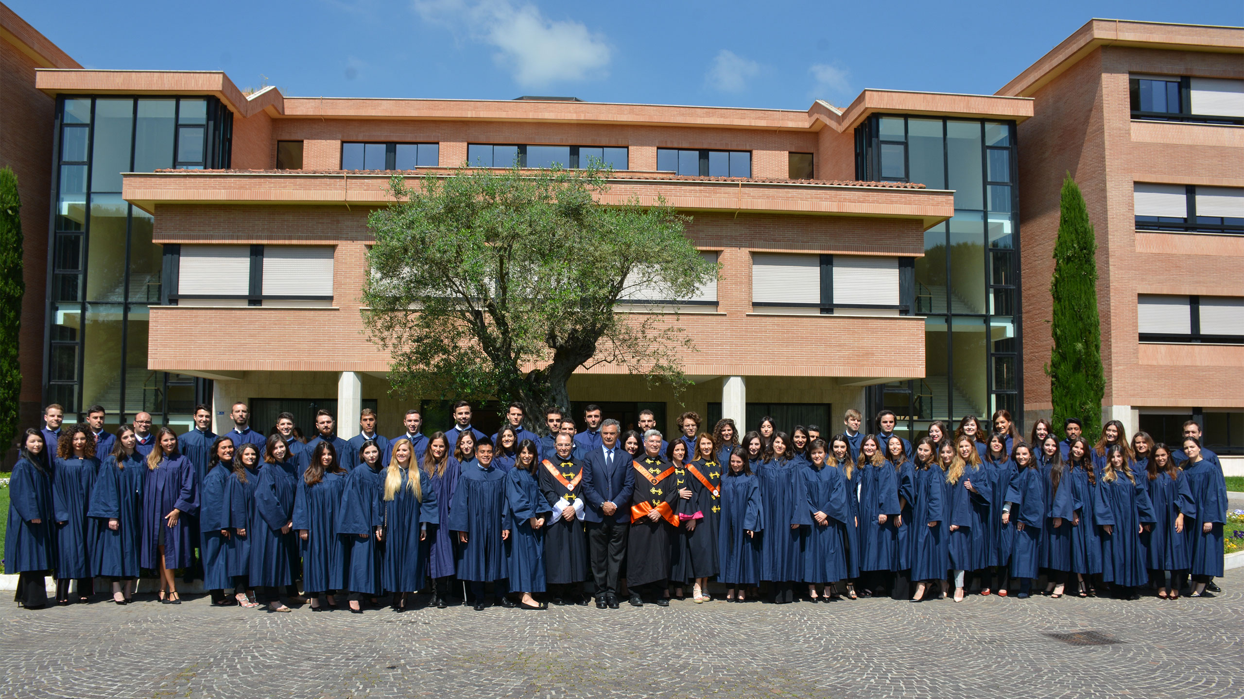 Conferimento diplomi di laurea